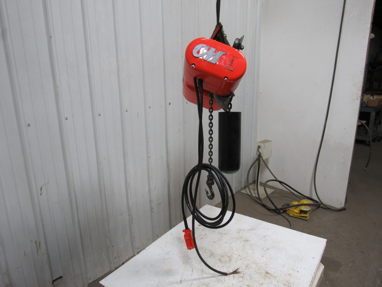 Cm lodestar j 1 2ton electric chain hoist 32fpm push for 2 ton hoist with motorized trolley