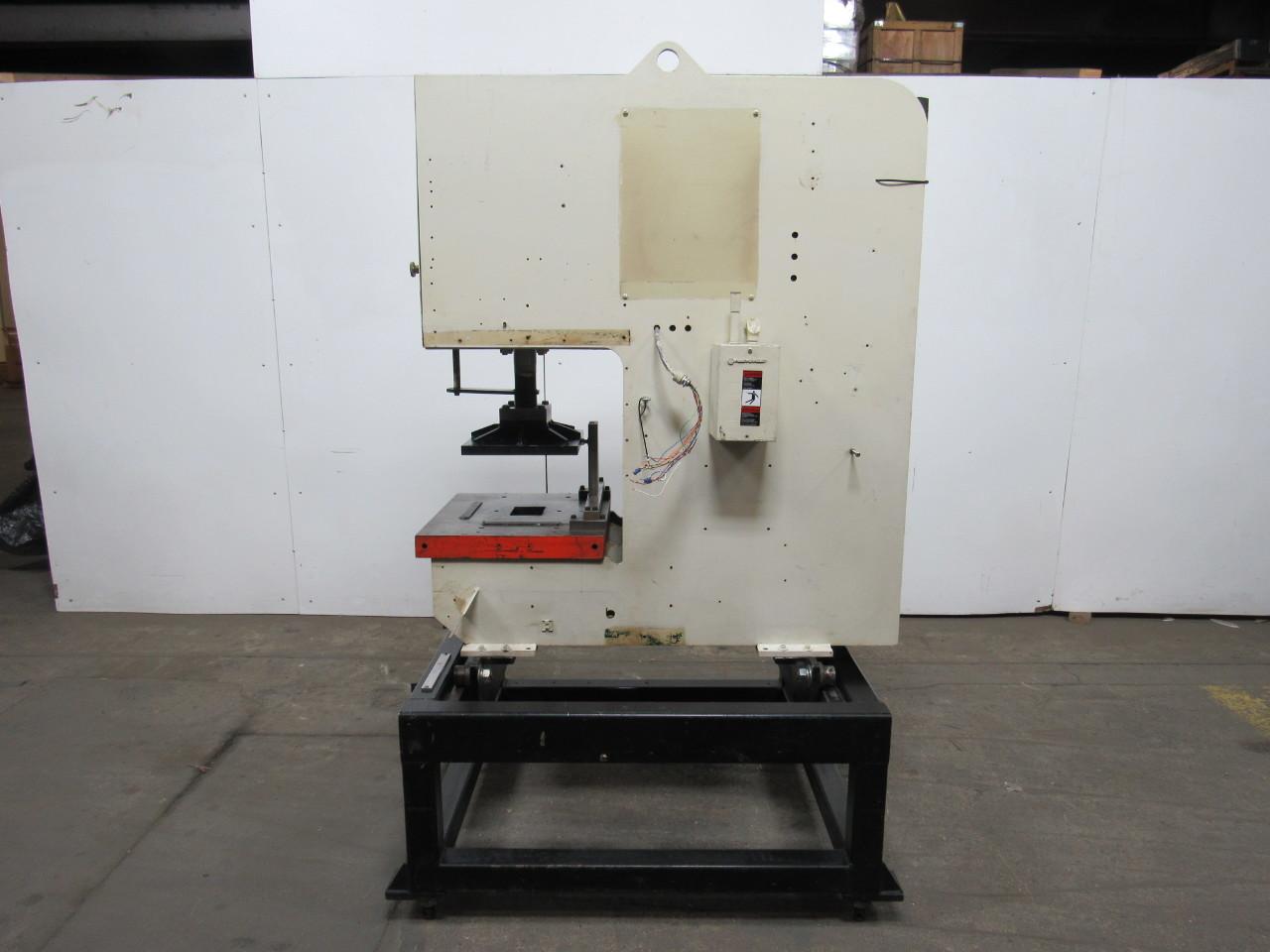 DAKE 928-040 C Frame Down Acting Hydraulic Press W/Vickers Hydraulics