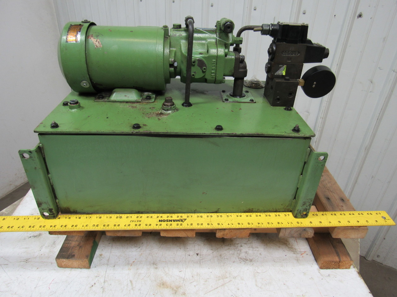 Daikin v15a1ry 85 hydraulic pump w 12 gallon tank 220v for How to size a hydraulic pump and motor