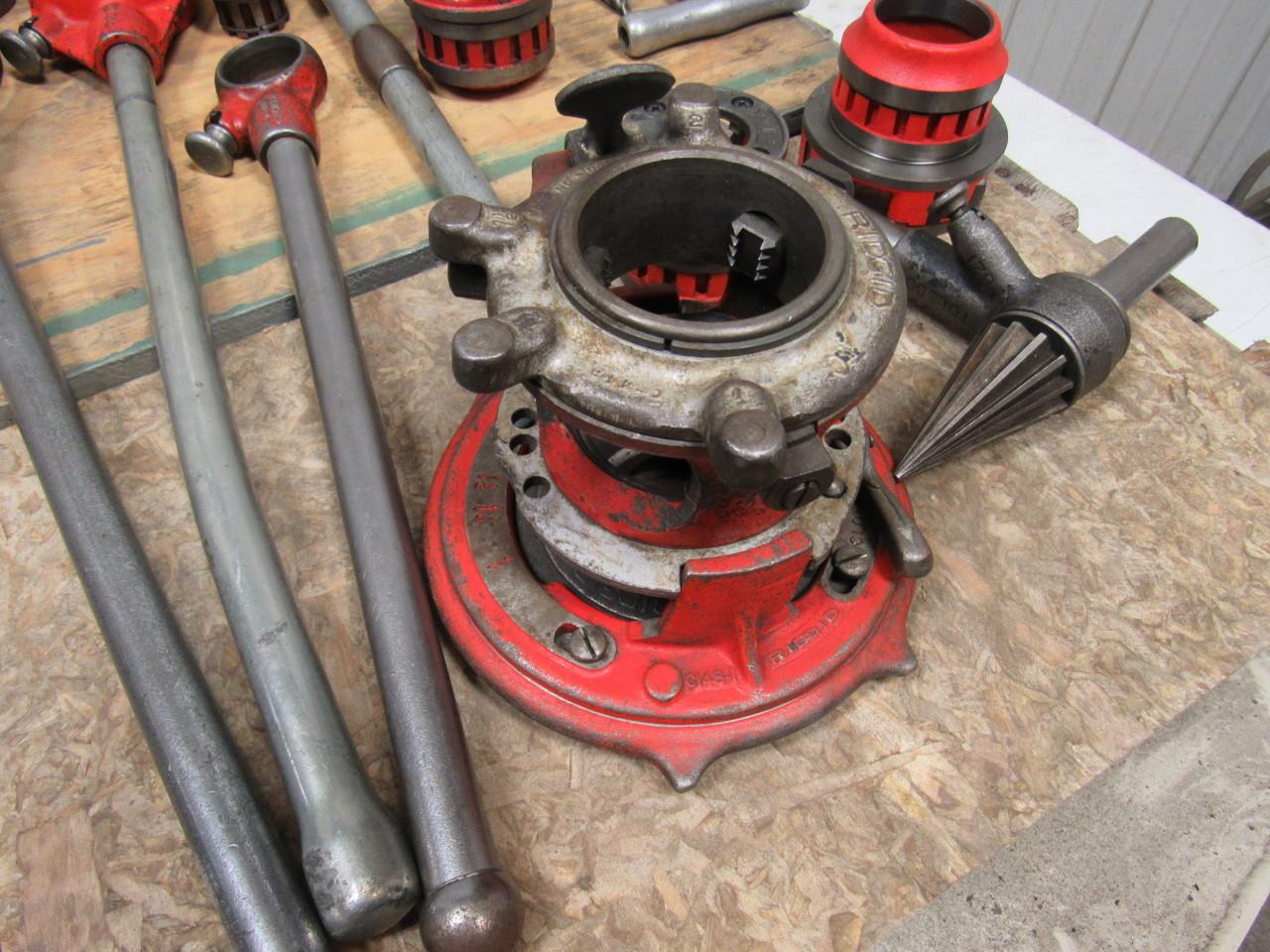 Ridgid 65r Receding Pipe Threader W 8 Dies 3 Handles