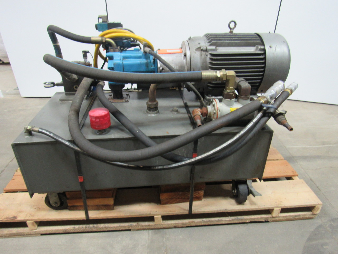 VICKERS T50P-VE Hydraulic Power Unit 25 HP 2000PSI 33GPM 70 Gal. Tank