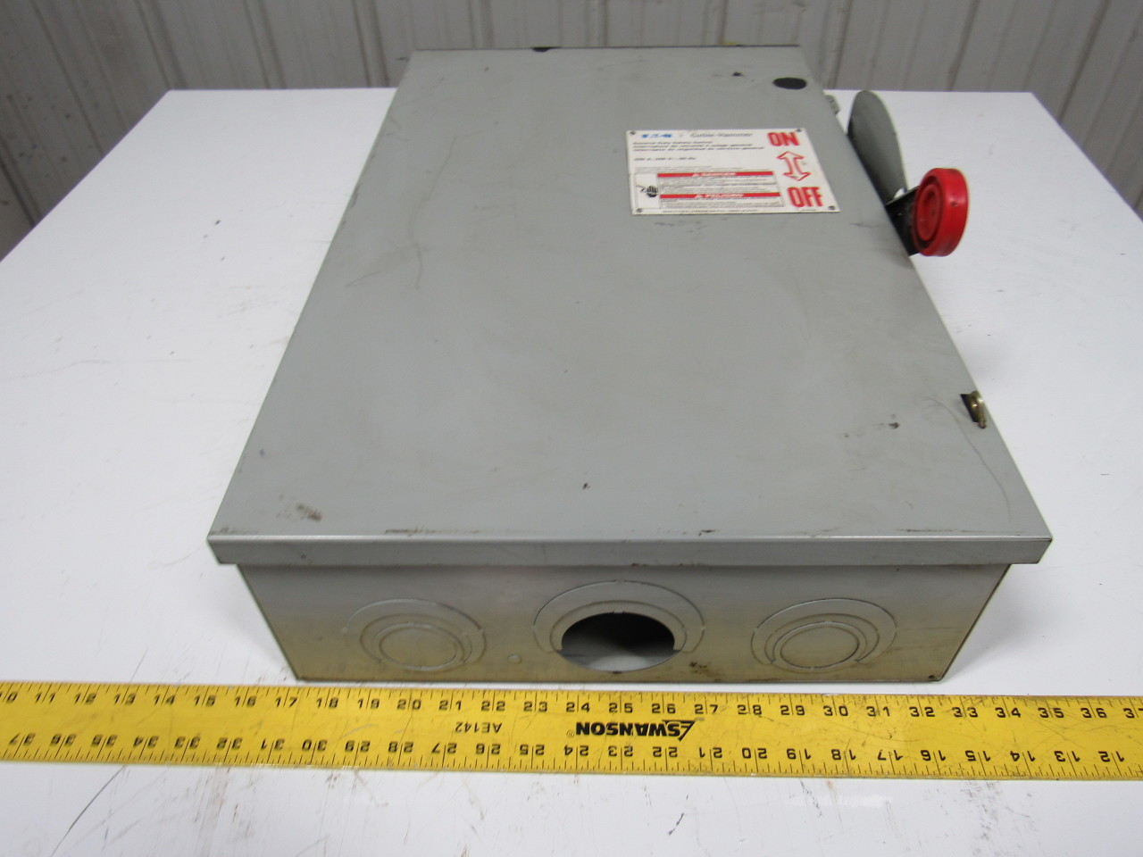 Eaton  Cutler Hammer Dg324nrk 200a 240v 4 Wire Fusible Disconnect Safety Switch