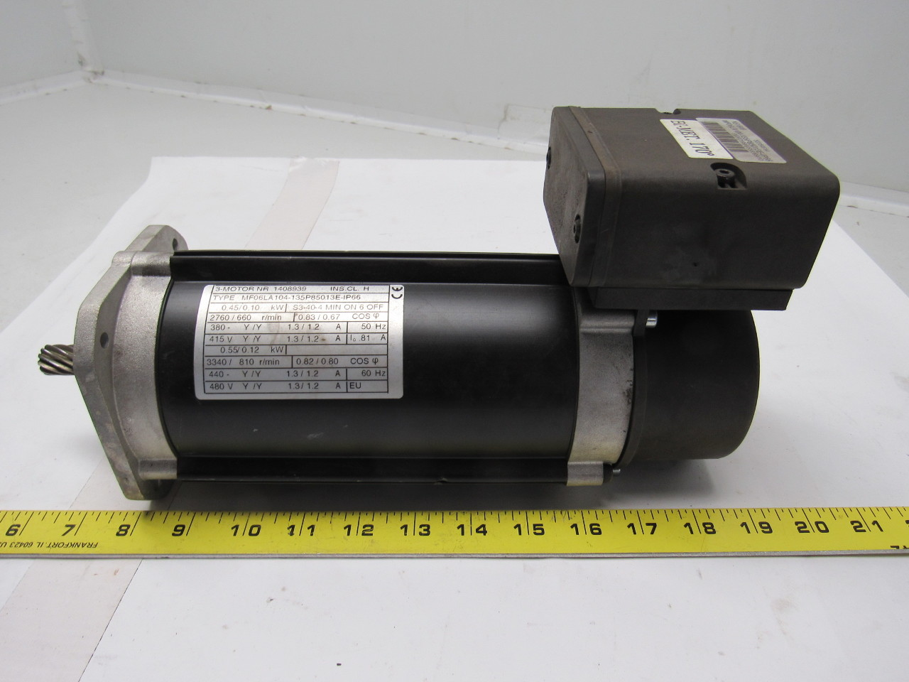 R m robbins myers mf06la104 135p85013e ip66 52354614 for Robbins and myers replacement motors