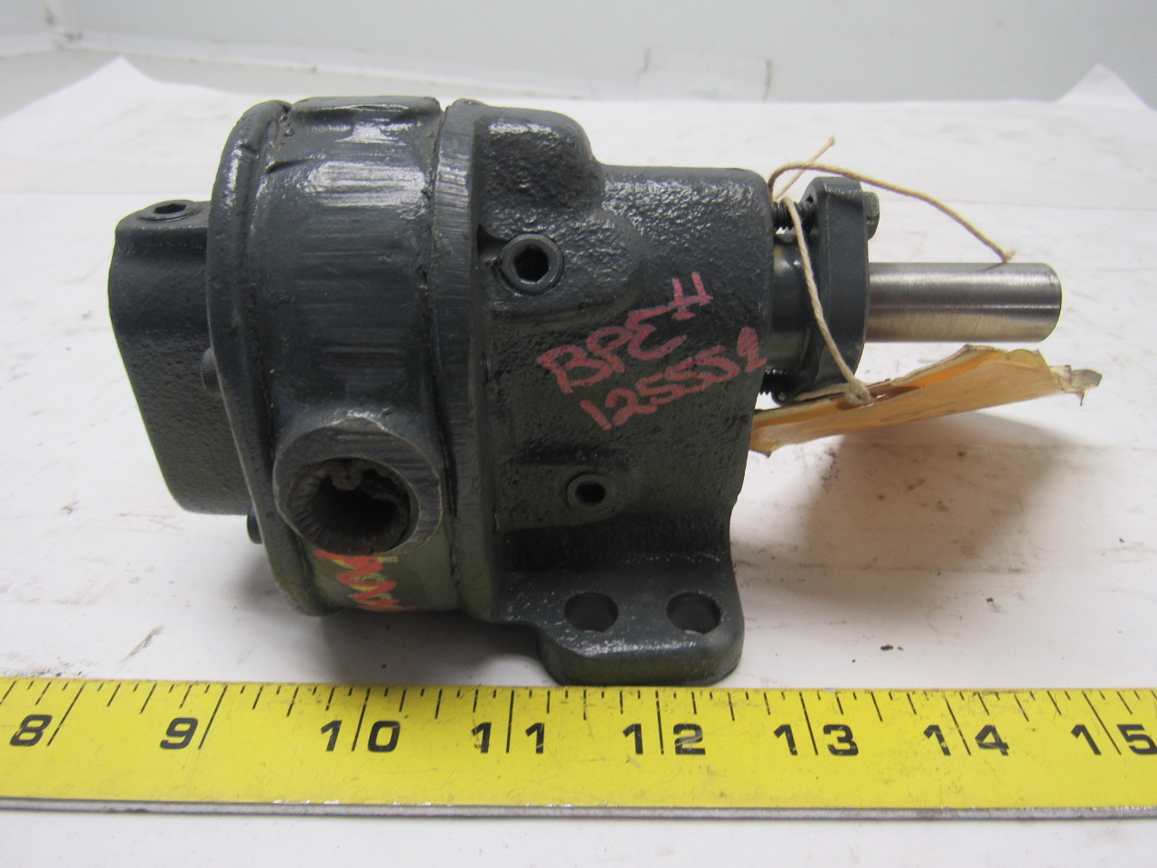 "Brown & Sharpe No. 1 Hydraulic Rotary Gear Pump 1.1 GPM at 200PSI 9/16"" Shaft"