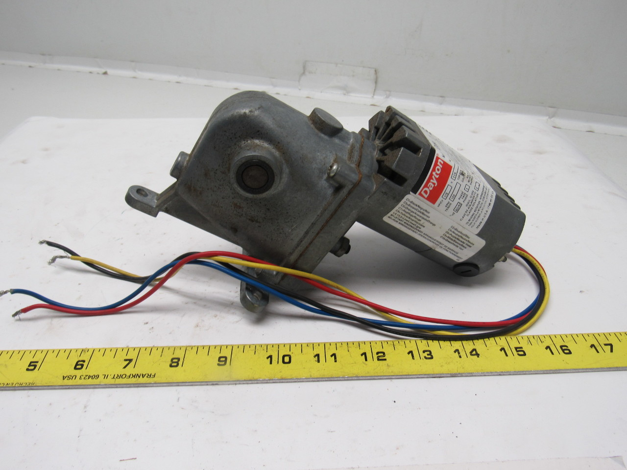 Dayton 1lpz6a Ac Dc Right Angle Gear Motor 115v 1 4a 100rpm 1 15hp 52 1 Ratio Ebay