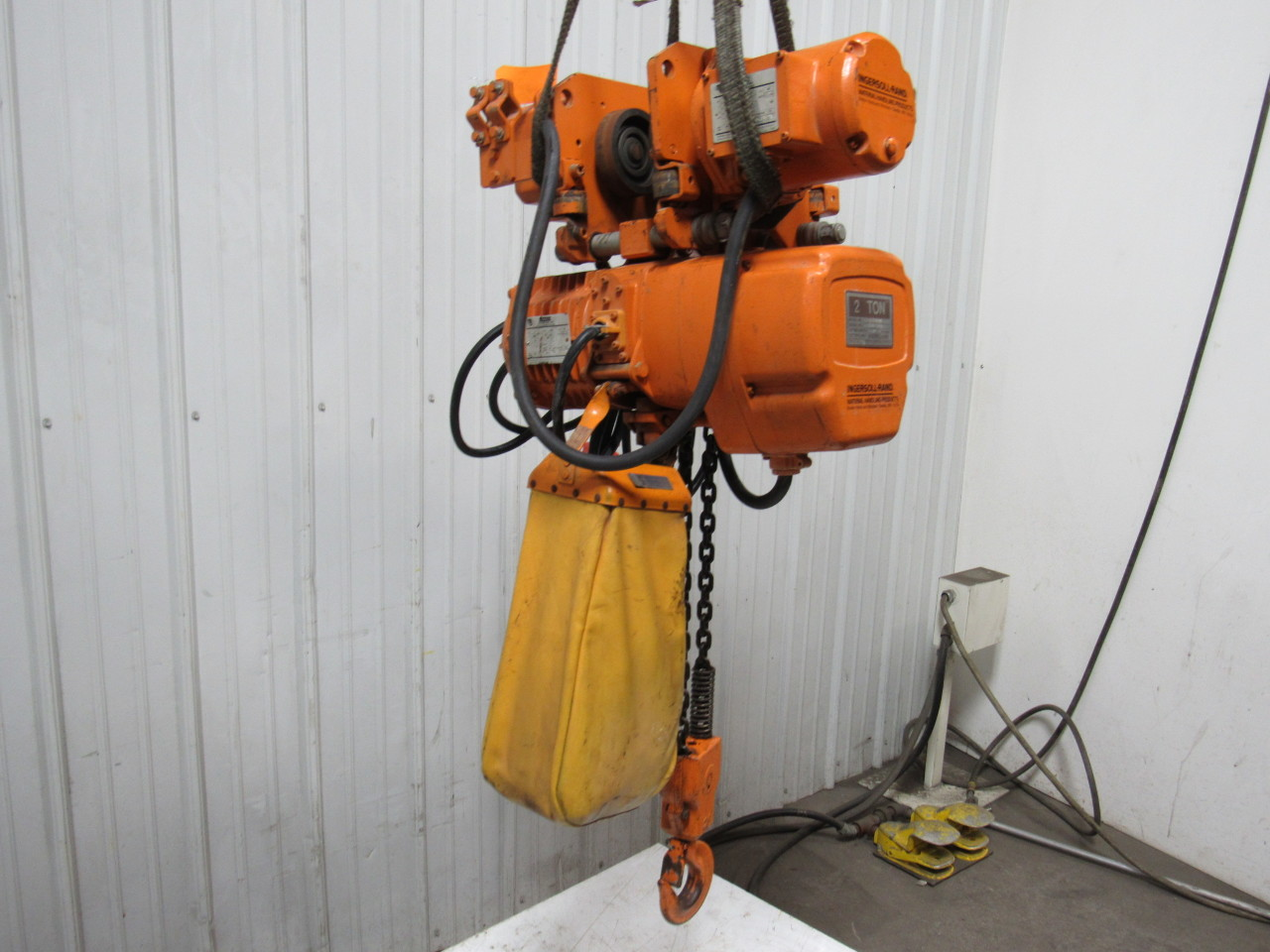 Beebe le3s020m4 2 ton powered trolley chain hoist crane 20 for 2 ton hoist with motorized trolley