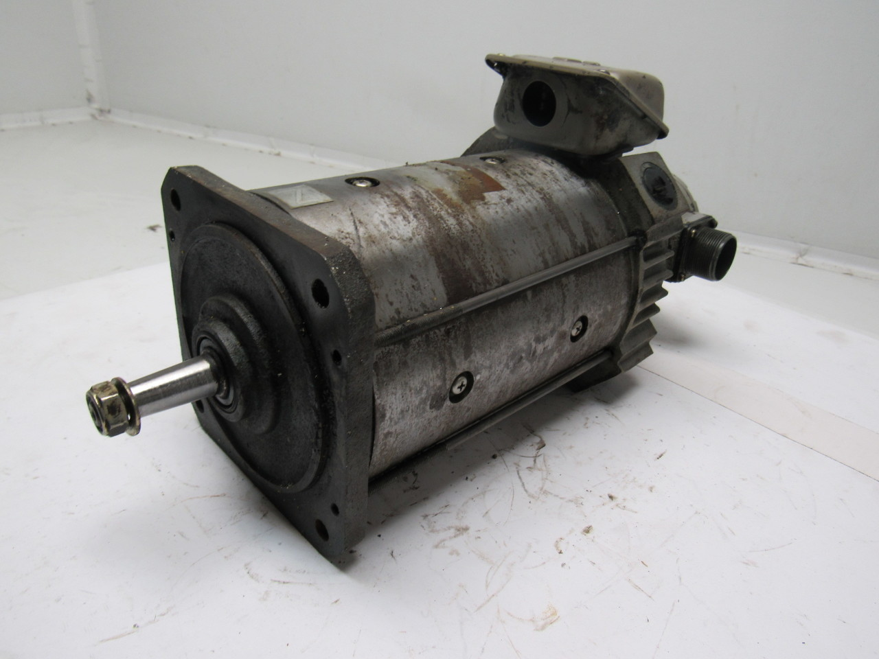 Mitsubishi Electric Hd 81 12s Dc Servo Motor From A Mazak