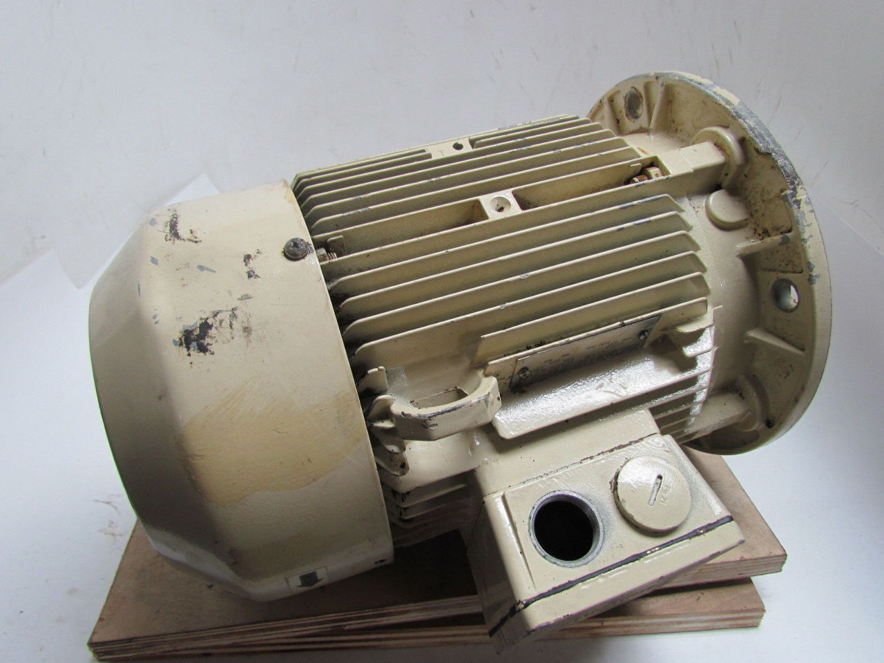 Siemens 1 la5113 2aa91 z 4 6 kw 3 ph 3490 rpm 480 v 1 kw electric motor