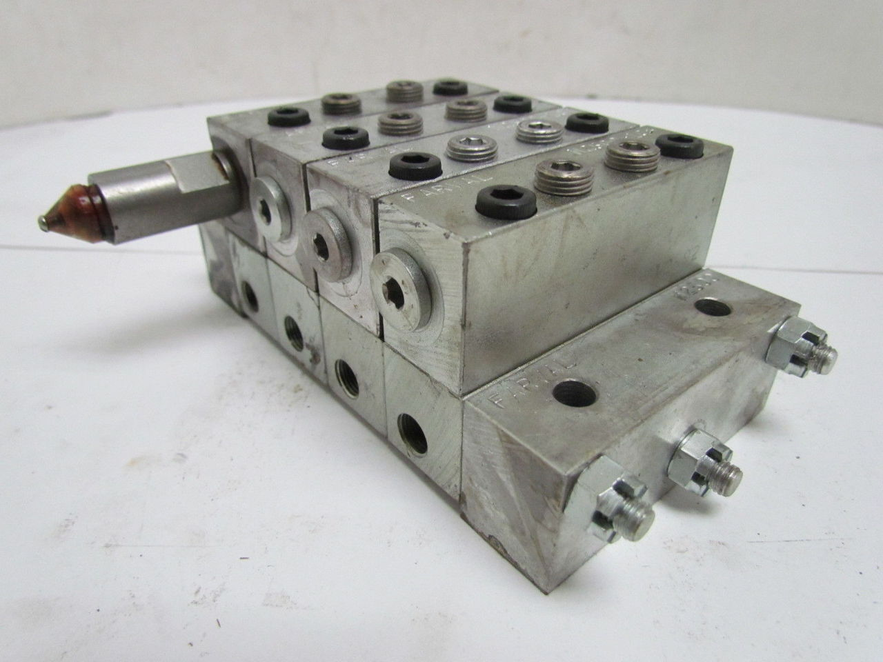 farval m2500 4 section divider valve manifold assembly