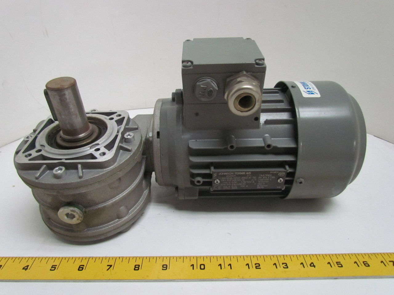 Johnson teknik a s 43kw 58hp 230 400 460v electric motor Electric motor with gearbox