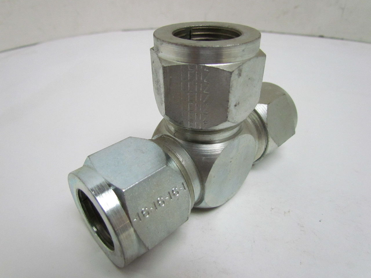 Lenz x quot tee union o ring seal tube end