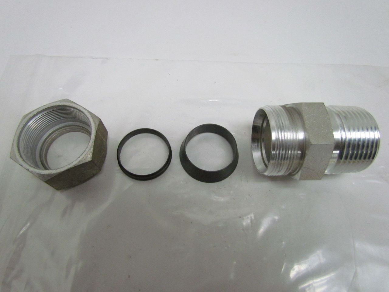 Swagelok s quot x male npt connector tube fitting