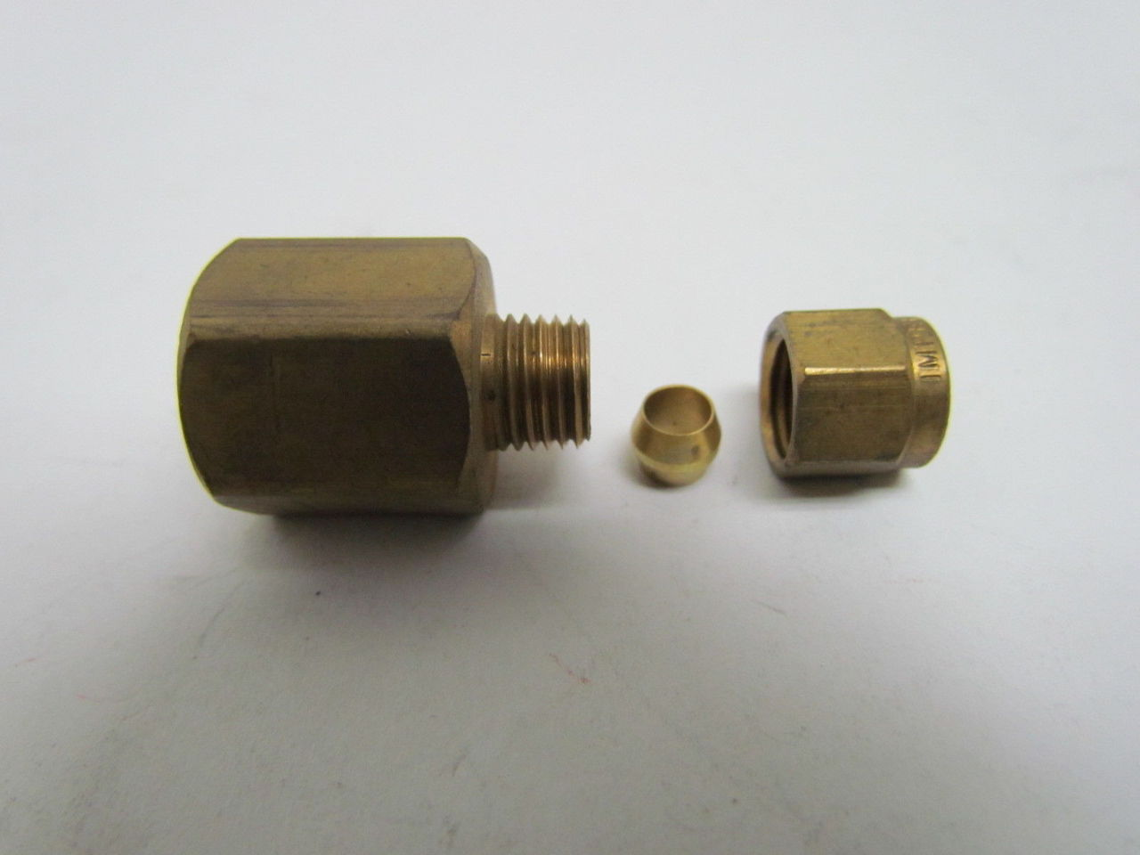 Imperial quot npt female tube compression