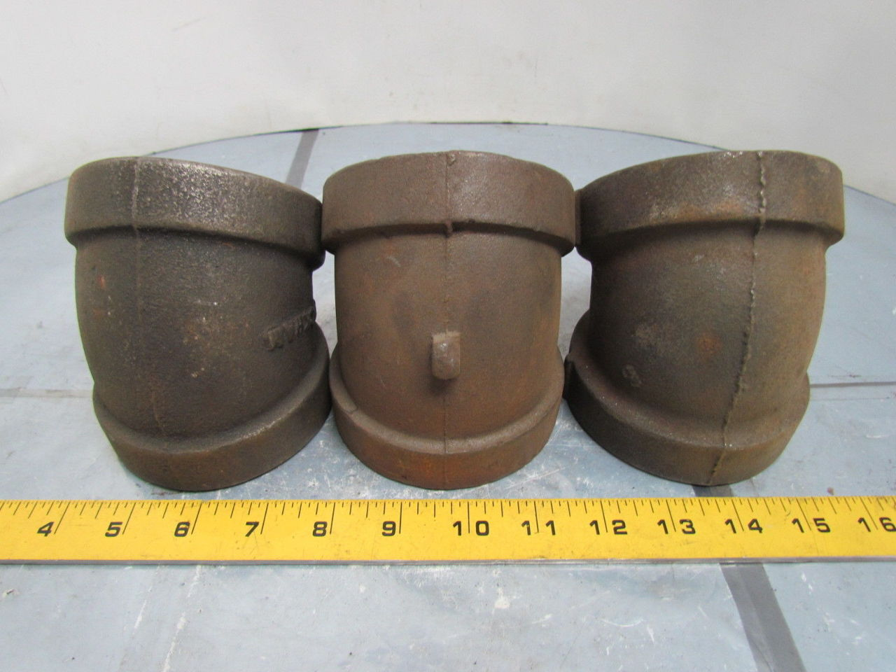 Quot npt cast iron black pipe elbow deg class usa