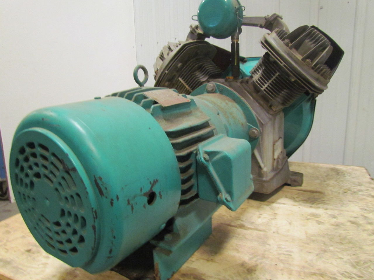 Automan Ae9 Direct Drive Single Stage Air Compressor 2 Cyl