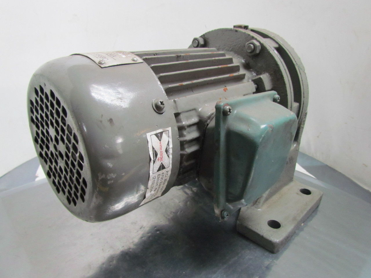Speed reducer 17 1 ratio motor 1 hp 1800 rpm 230 460 volt for 7 rpm gear motor