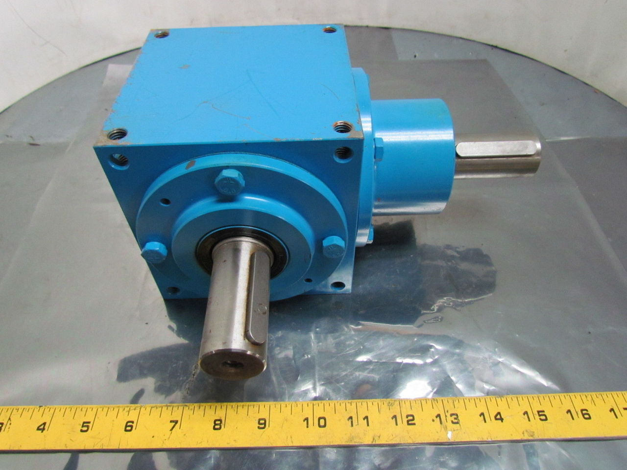 Right Angle Transmission : Beijing spiral bevel right angle double output gearbox