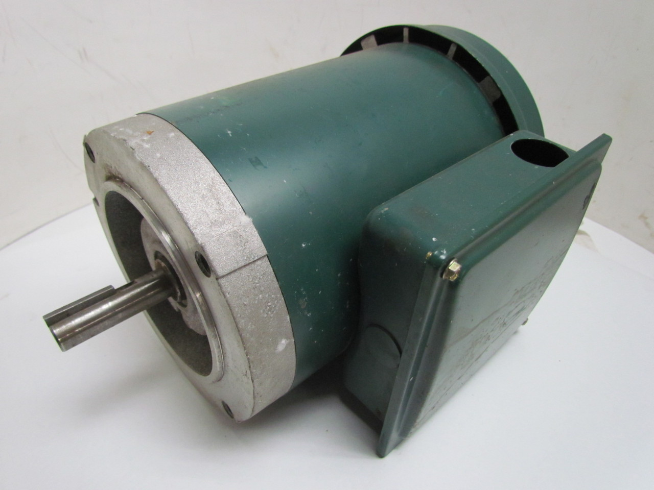 Reliance Electric P56h1591m Electric Motor 3ph 3 4 Hp