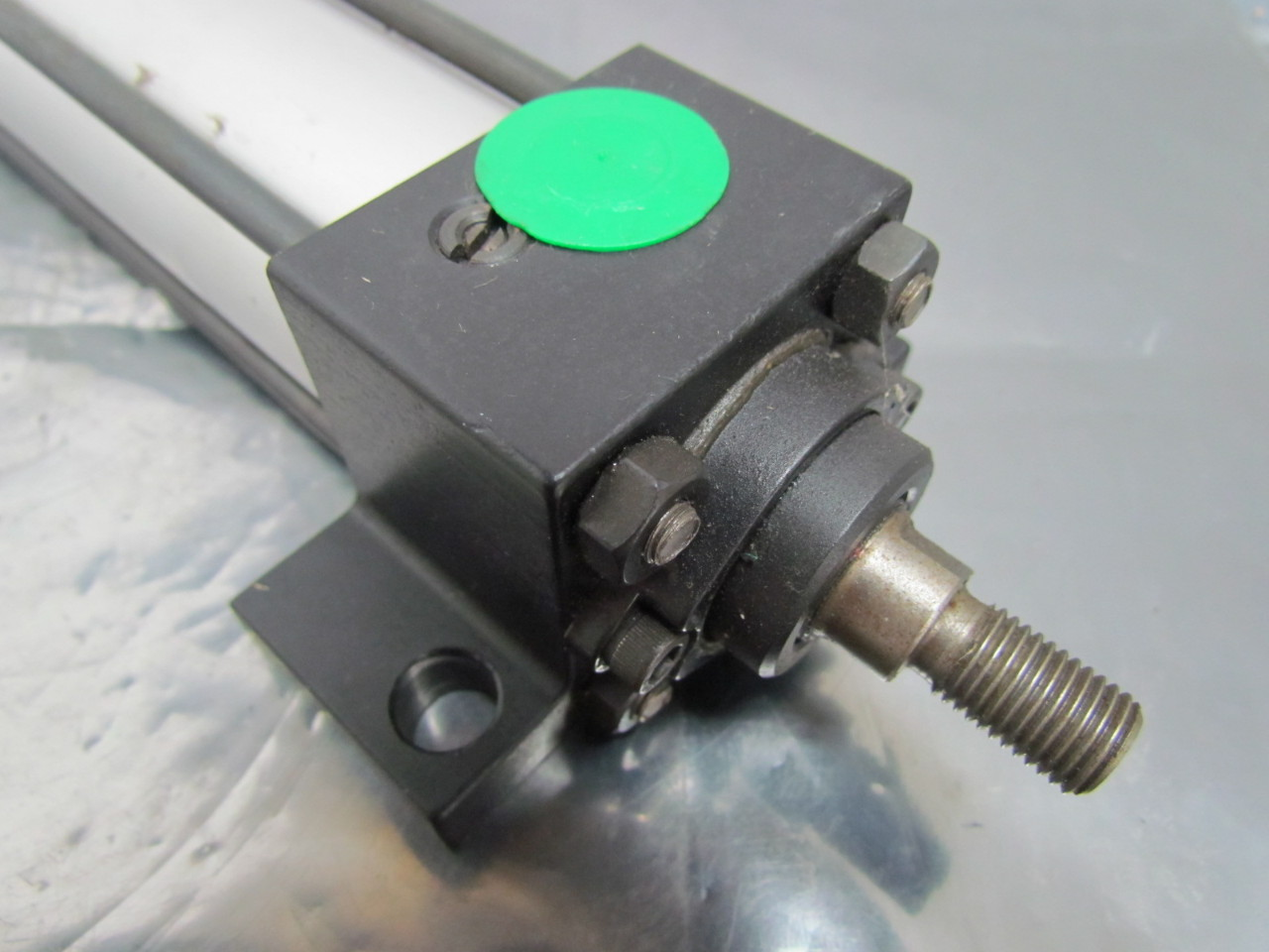 Numatics S2AK-08I1D-BAA2 Pneumatic Air Cylinder 1-1/2\