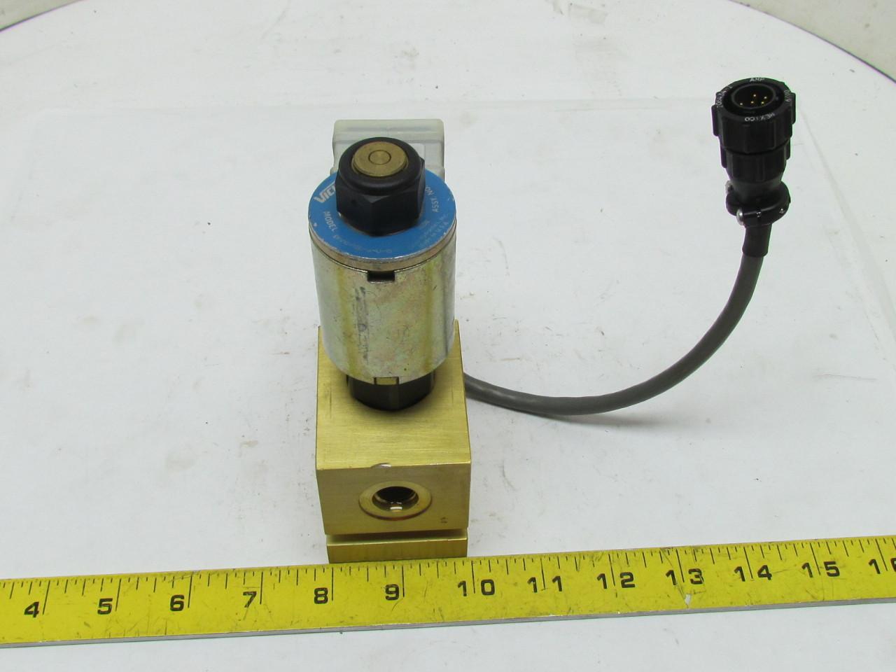 Vickers EPV10-12D-M-U-10 23035 Hydraulic Flow Control Valve w/Plug 12VDC Coil