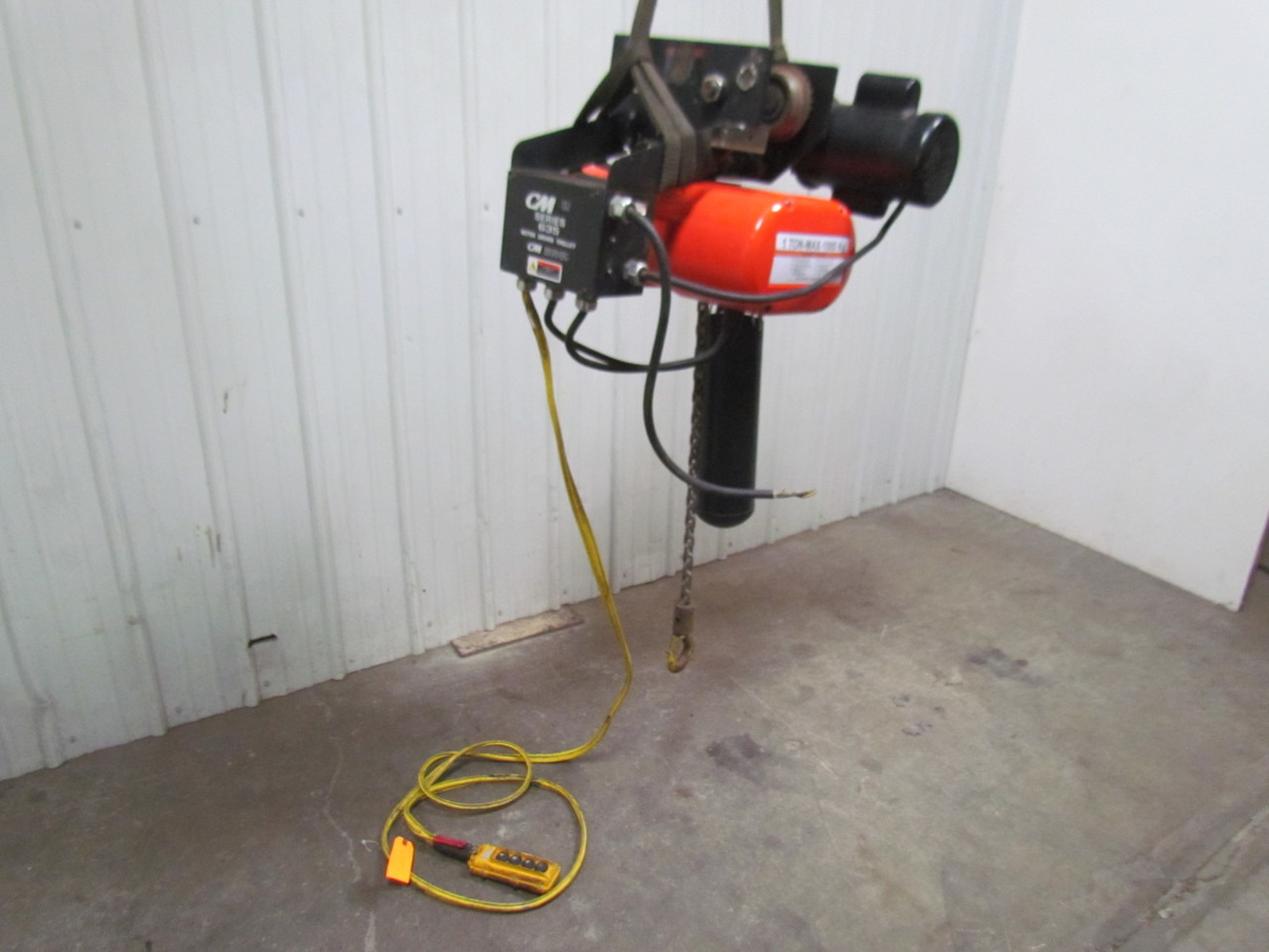Cm Lodestar L 1 Ton Electric Chain Hoist 19 39 Lift 635 Motor