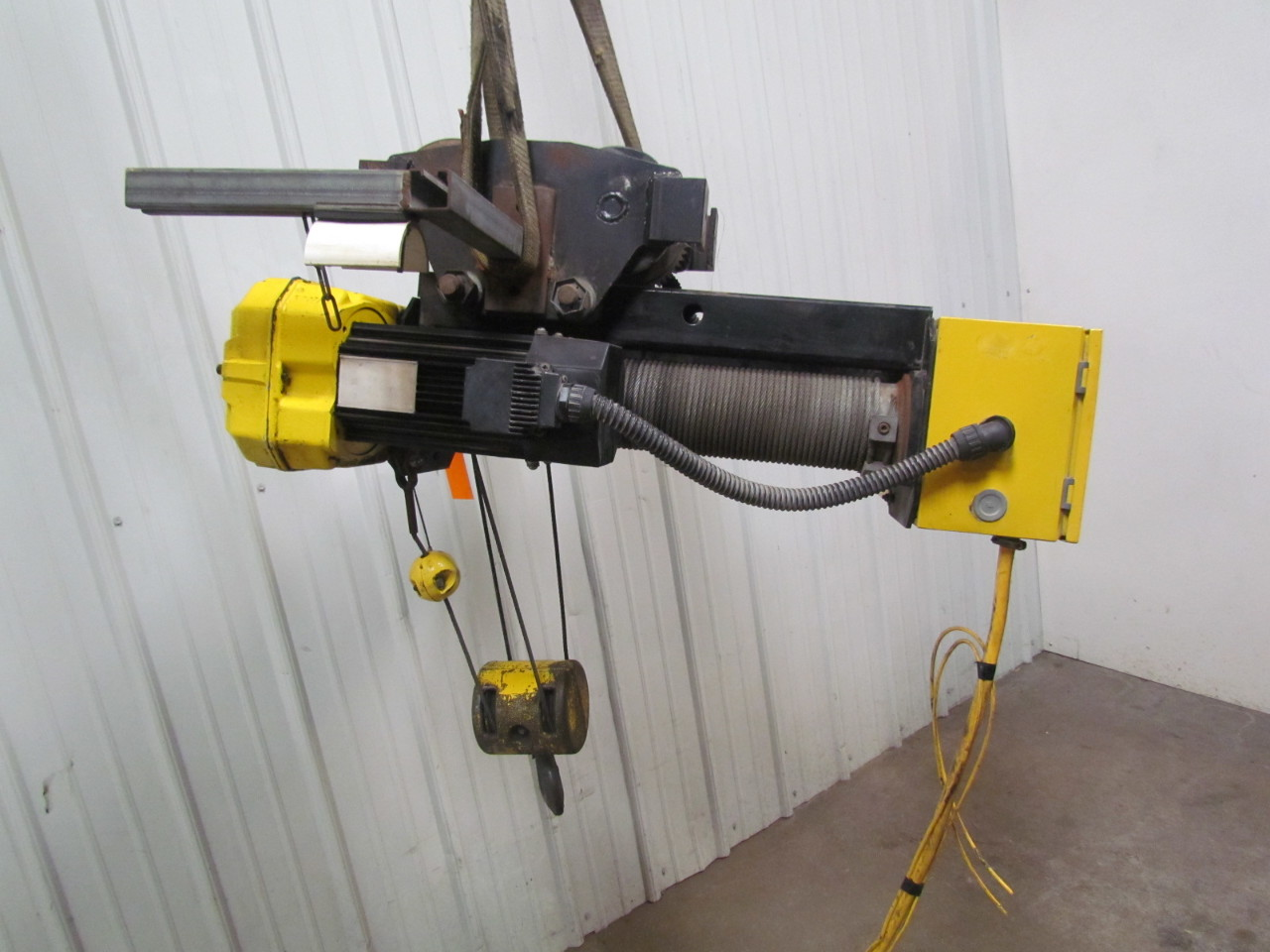 R m spacemaster ii 2 ton 4000lb wire rope electric crane for 2 ton hoist with motorized trolley