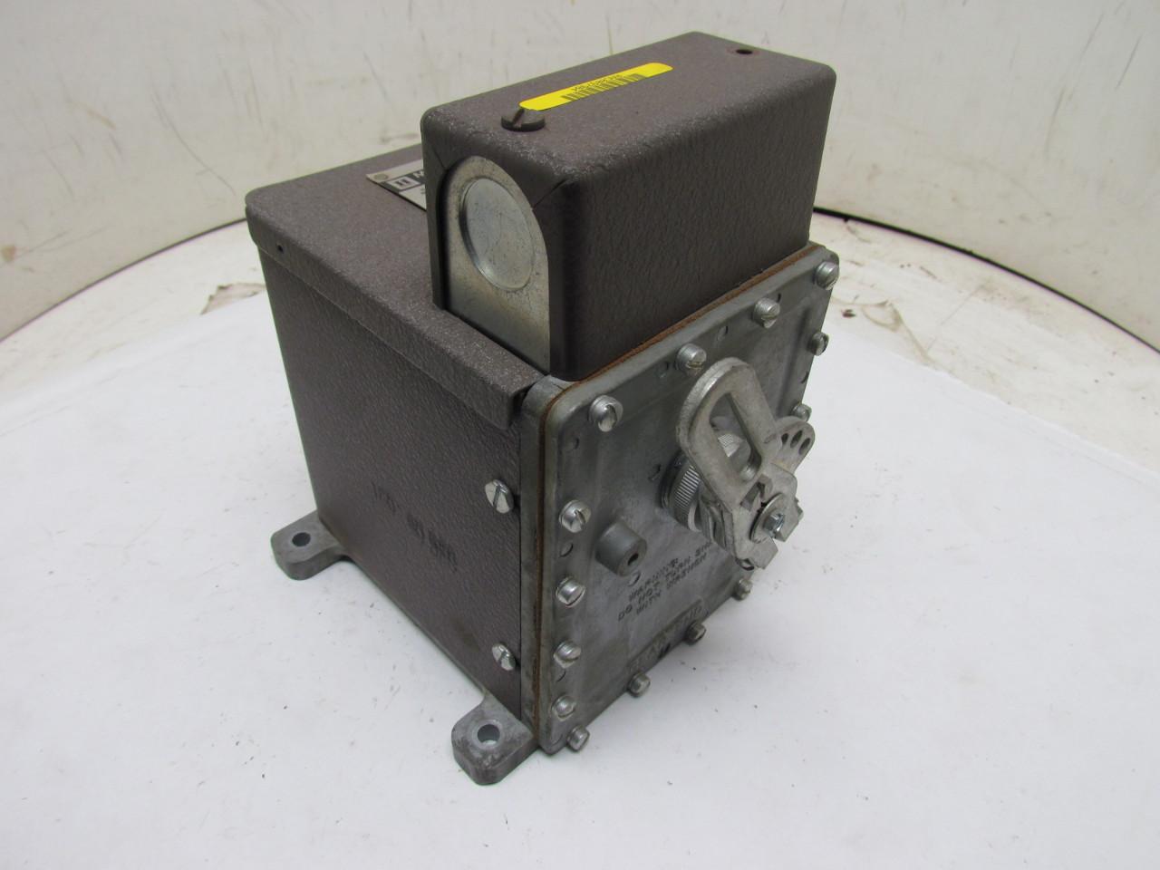 Honeywell M904e 1358 Modutrol Motor 24v 17w 3 8 Sq Shaft