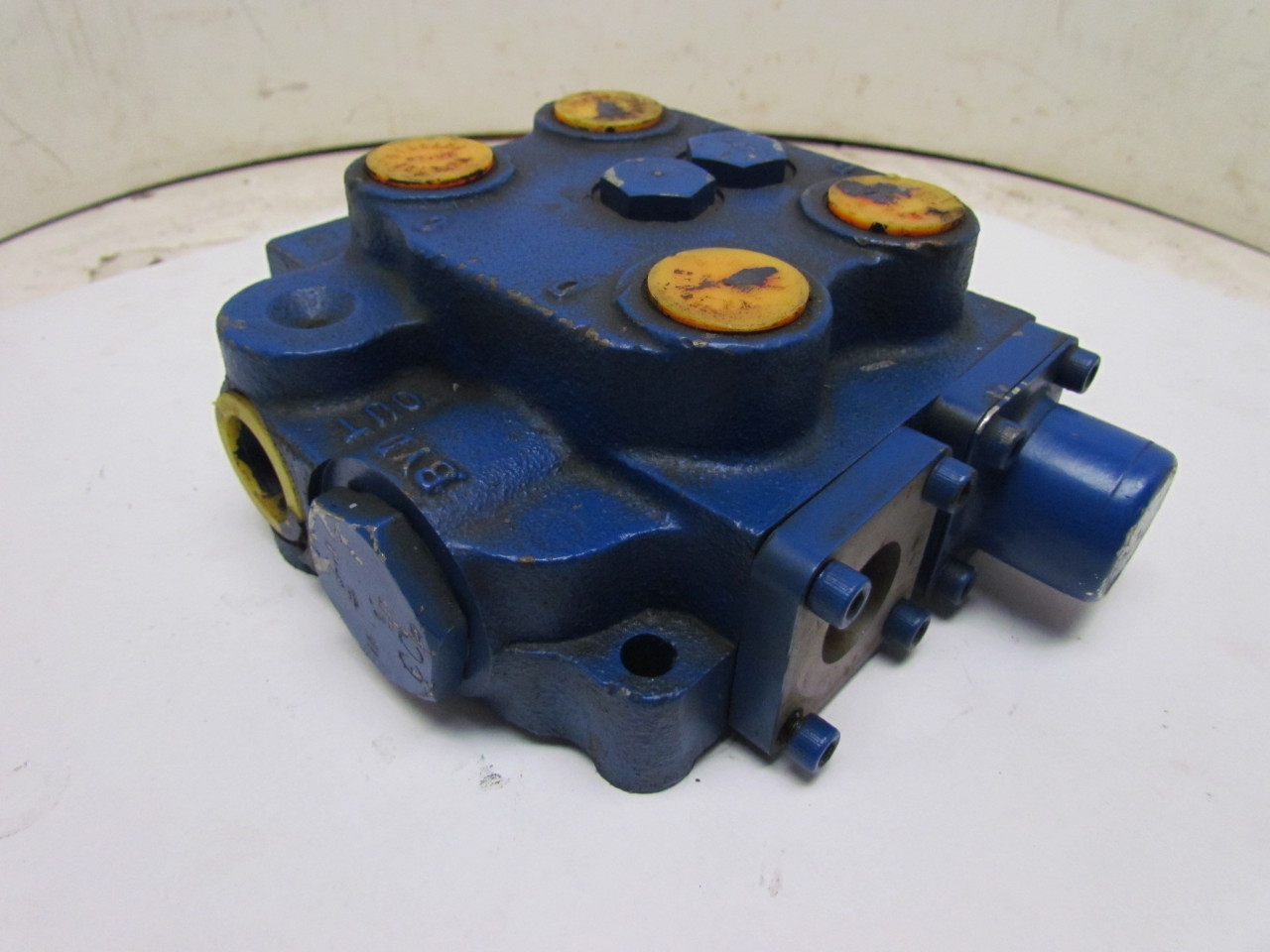 Hydraulic Valve Parts : Cross z hydraulic valve for parts or repair missing