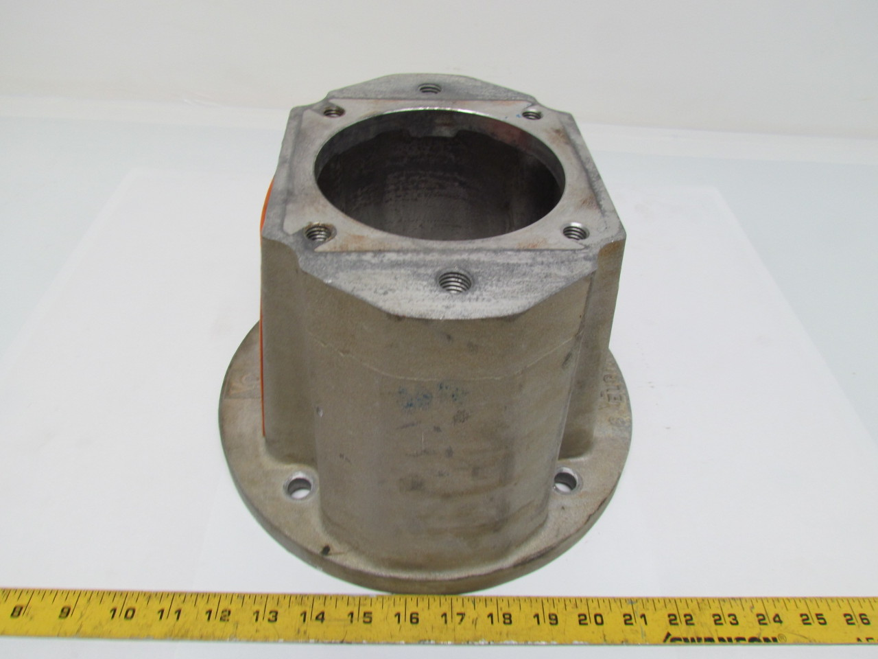 Vescor 1956 pump motor adapter bell housing style 8 ebay for Hydraulic pump motor adapter