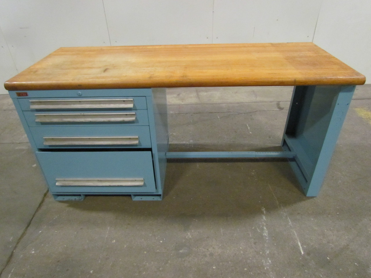 lyon industrial butcher block work bench 72 quot wx28 1 4 quot dx34