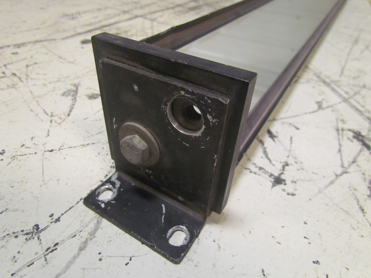 Weldotron safe t lite 3 wx33 l light curtain corner mirror for Mirror brackets