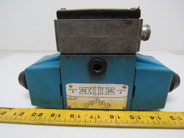 Vickers 02-119460 PA5DG4S4LW 01CB60 Hydraulic Directional Control Valve