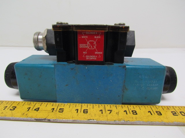 Vickers DG4V-3S-6C-M-FPA5WL-B5-60 Hydraulic Directional Control Valve