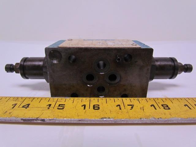 Vickers DGMFN-3-Y-A2W-B2W-21 SystemStak Hydraulic Dual Flow Control Module