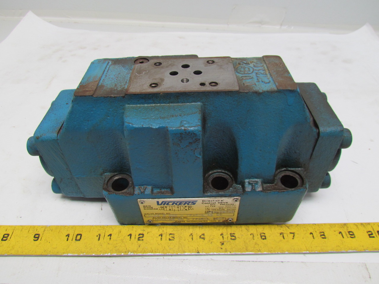 Vickers DG5S-8-33C-M-FPA5WL-B5-30 Hydraulic Directional Control Valve 3000 PSI