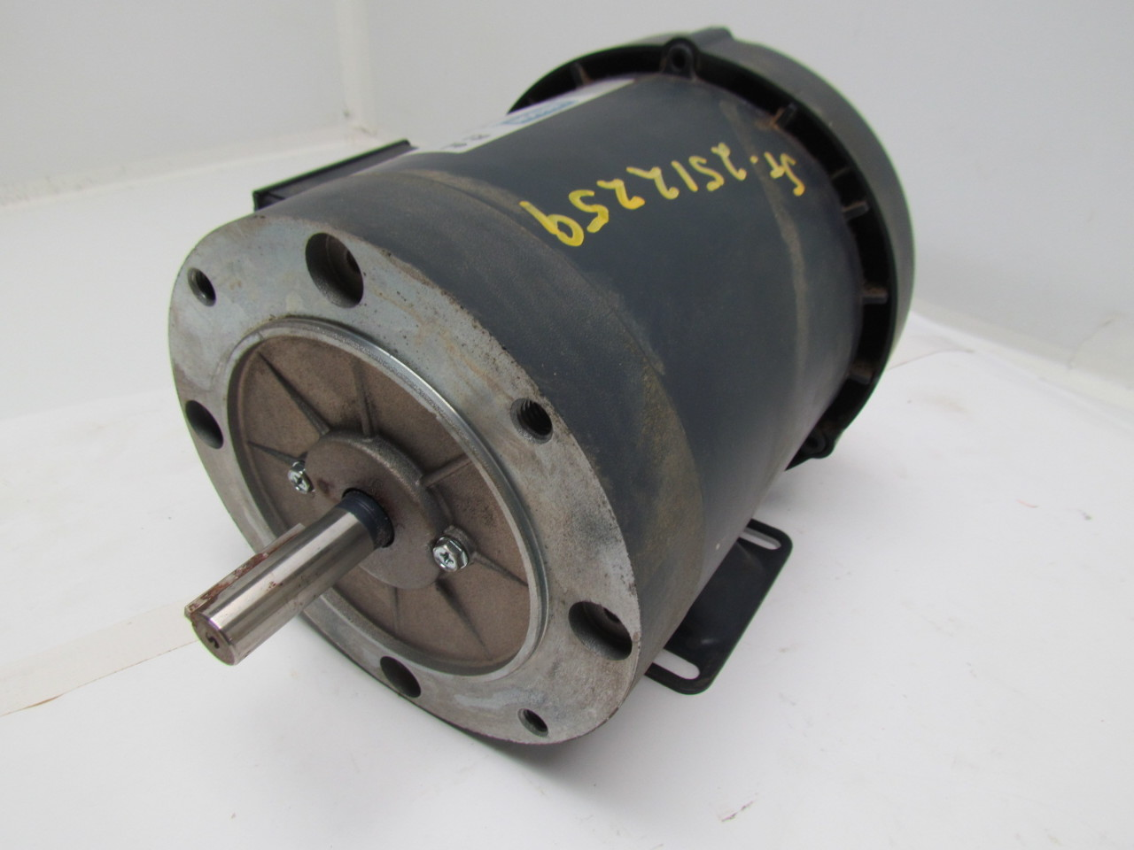 Leeson Electric C6t17fb3e 3 4hp Special 575vac3ph 56fr Electric Motor Ebay