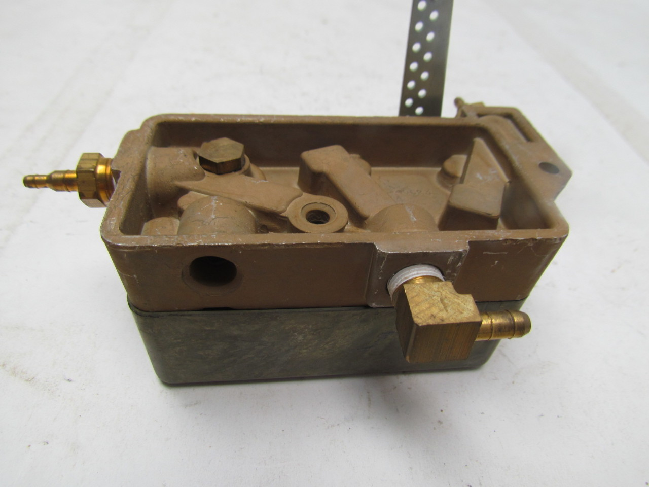 #967535 Johnson Controls D 9502 Damper Actuator Positioner EBay Highly Rated 2219 Damper Control Motor wallpapers with 1280x960 px on helpvideos.info - Air Conditioners, Air Coolers and more