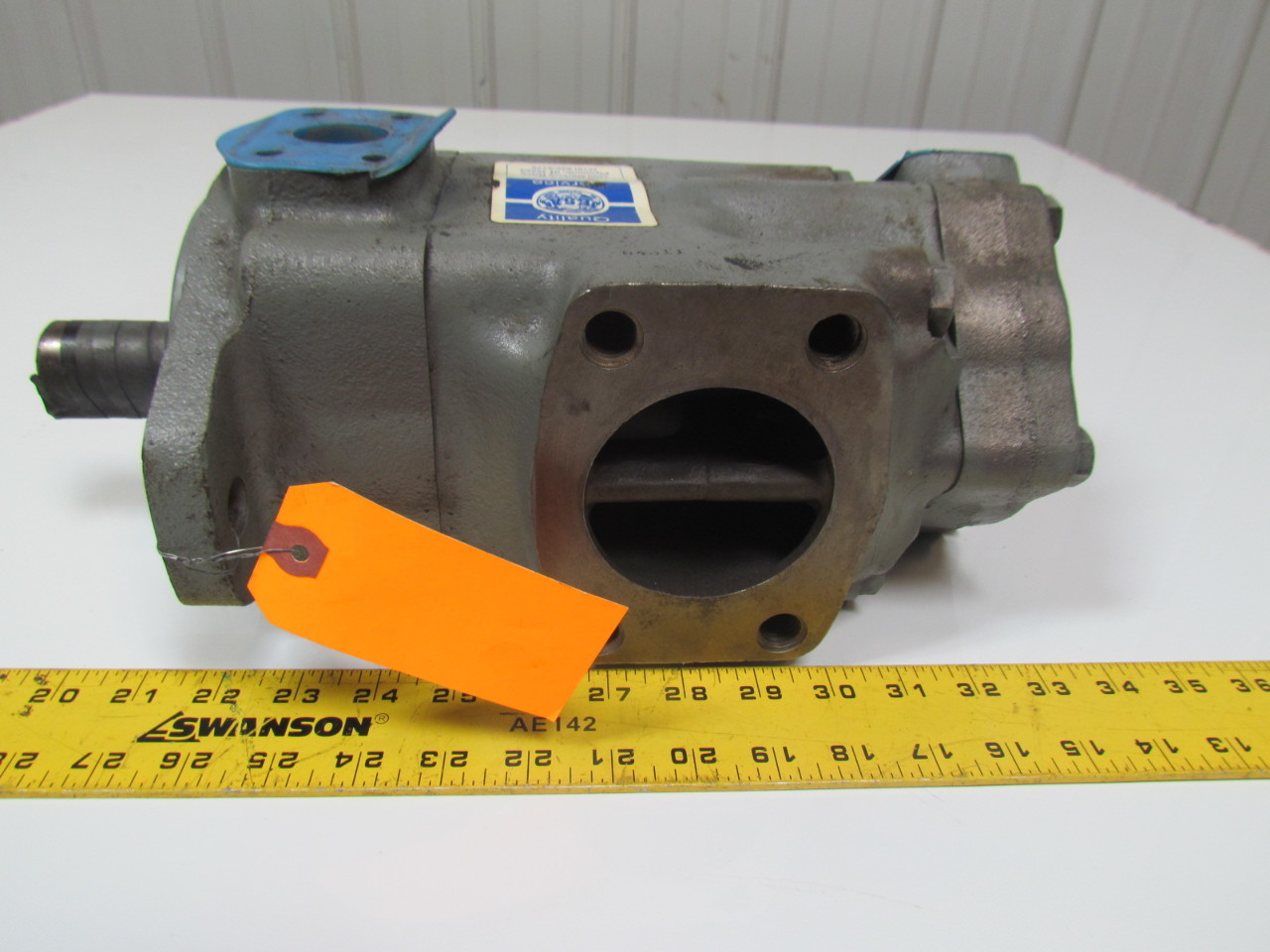 Vickers 3525V25A17-1DD22RH-D95FW Hydraulic Double Vane Pump Right Hand CW