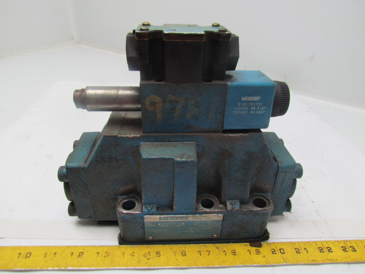Eaton Vickers DG5S-8-8C-VM-FW-B5-30 Two Stage Solenoid 4 Way Hydraulic Valve
