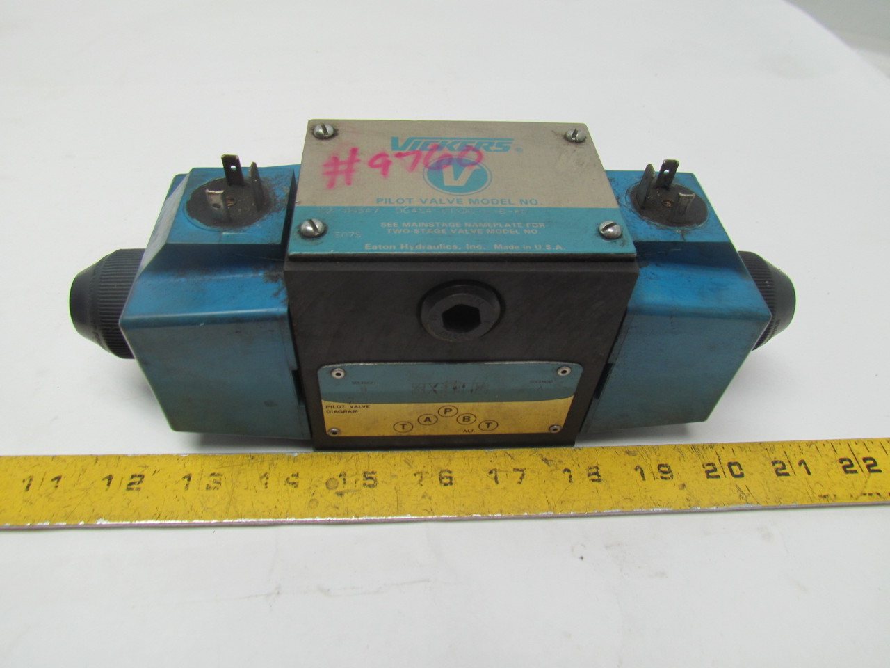Eaton Vickers DG4S4-0133C-U-B-60 Directional Hydraulic Control Valve 110/120V