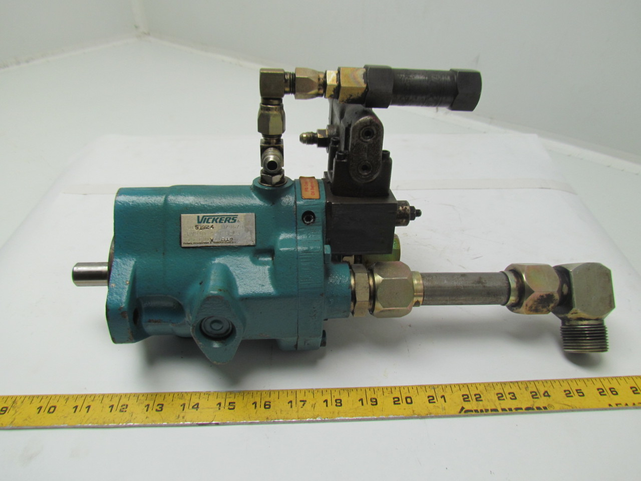 Vickers PVQ10-A2R-SE1S-10-C21V11B12 Hydraulic Pump Piston/Variable Volume