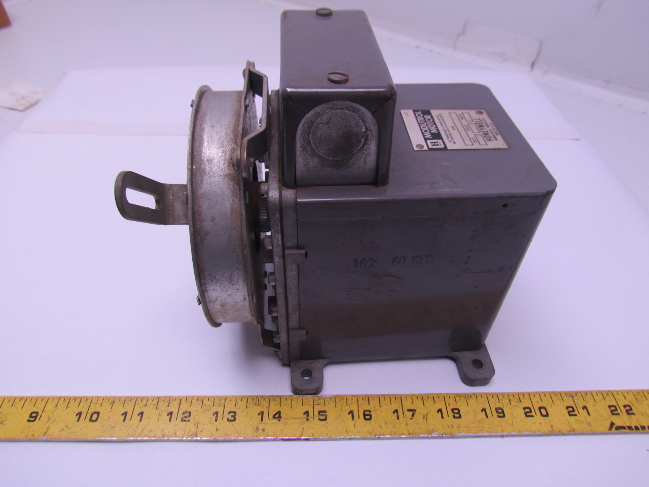 Honeywell M405b10455 Modutrol Motor 220v 50 60hz 17watts