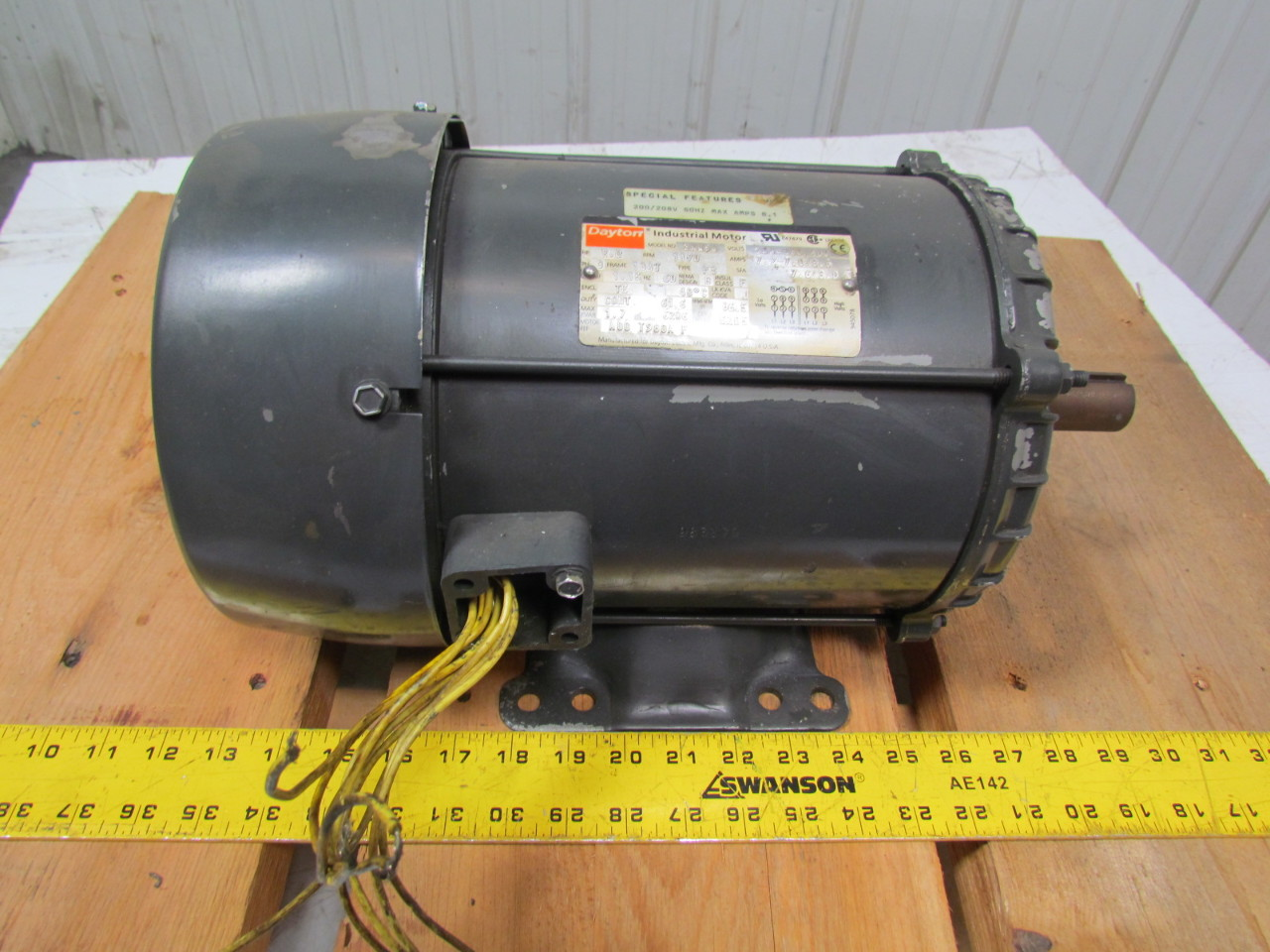 Dayton 3kw98 2hp Electric Motor 208 230 460v 3ph 1170rpm