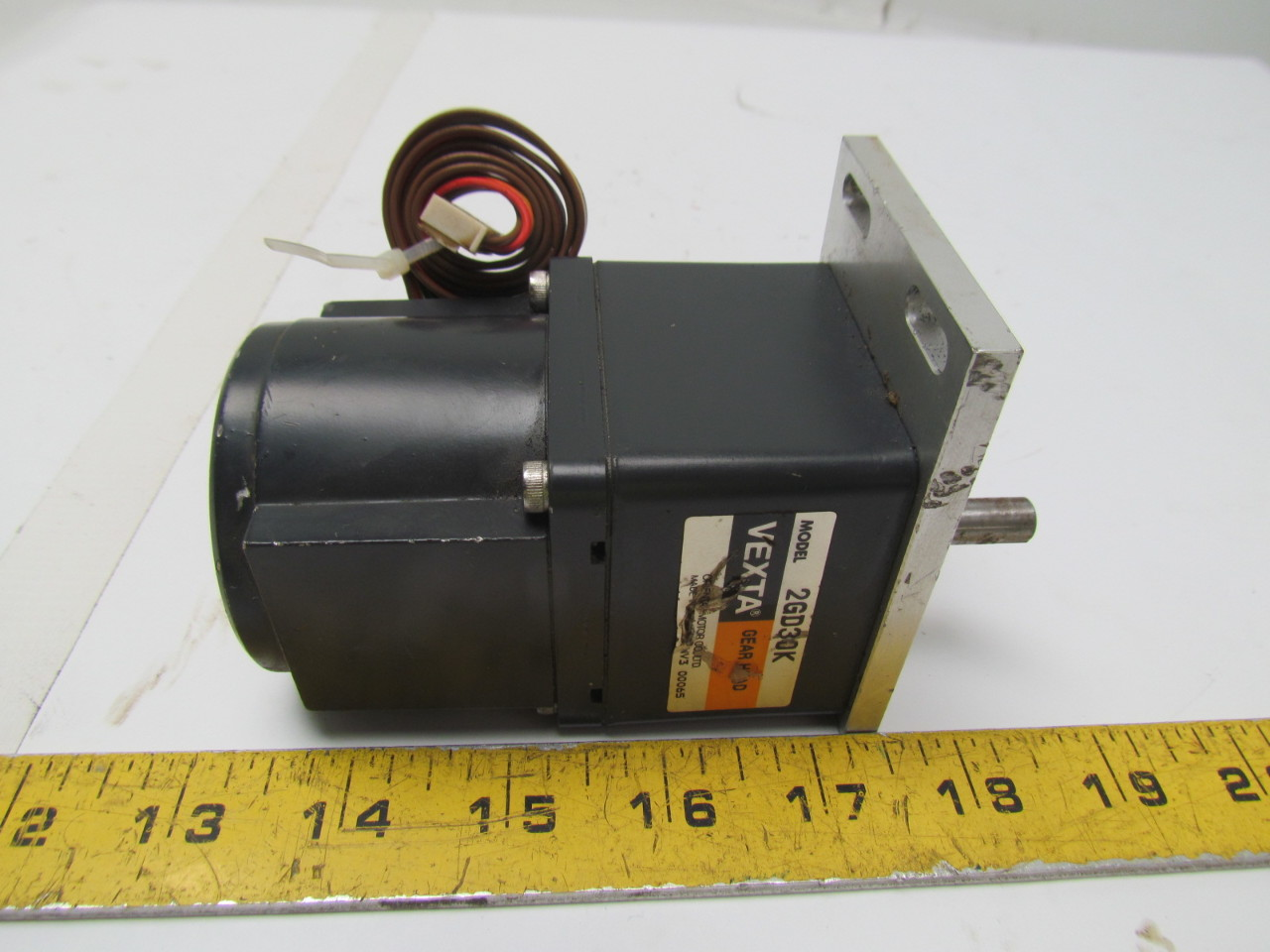Vexta bl215gd af brushless dc motor 3000rpm 15w w 2gd30k for Brushless dc gear motor