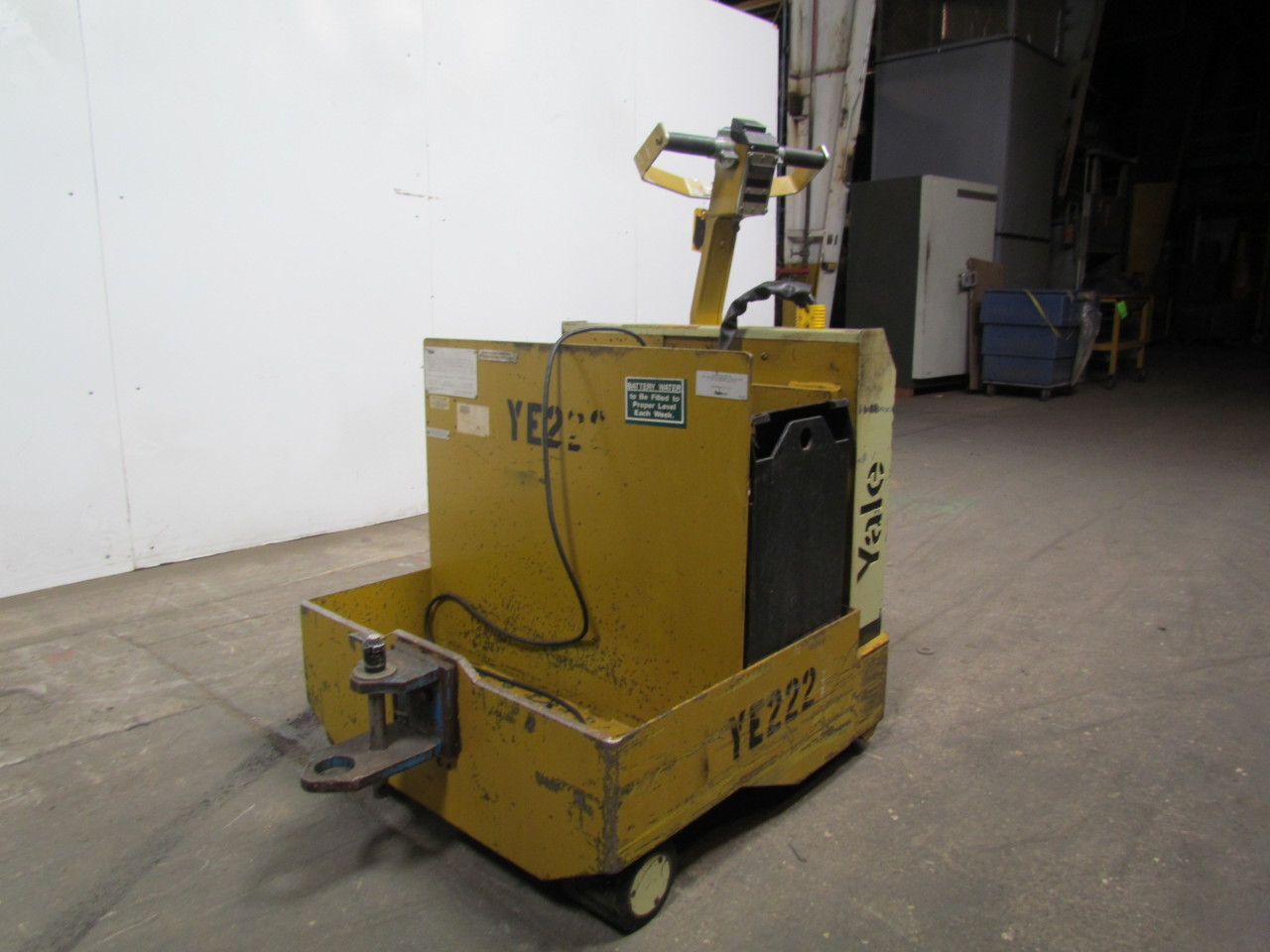 Mule Tow Tractor : Yale mtwr electric tow tractor mule walk ride v lb