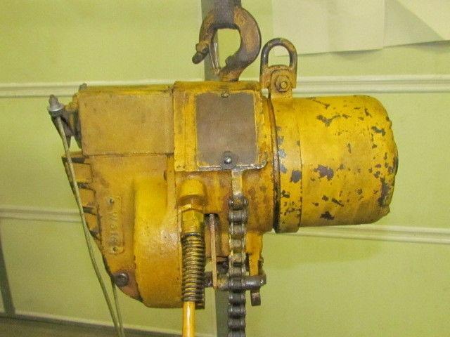 1 2 Ton Yale Model 1 2d17fme1 Electric Hoist 1000lb Capacity