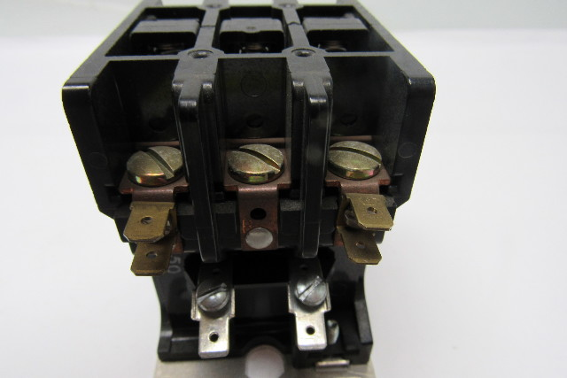 Used Welders For Sale >> Telemecanique 2200EB330AA AC contactor 3P N/O 3PH 40A 600V ...