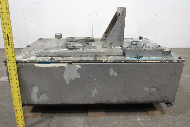 44 Gal  Hydraulic Tank/Reservoir W/Bolt-On Top, End Cleanout, Bolton Pump  Plate