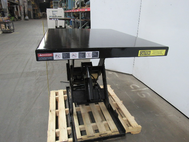 "Autoquip 36S40 4000 LB Scissor Lift Table 6-1/2""-42 HT. 54"