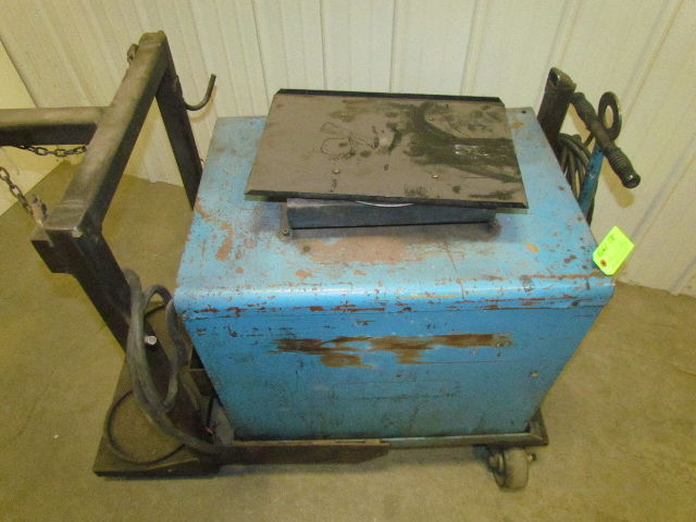 Hobart Rc 200 200 Amp 3 Phase Welder With Cart Wire Feed